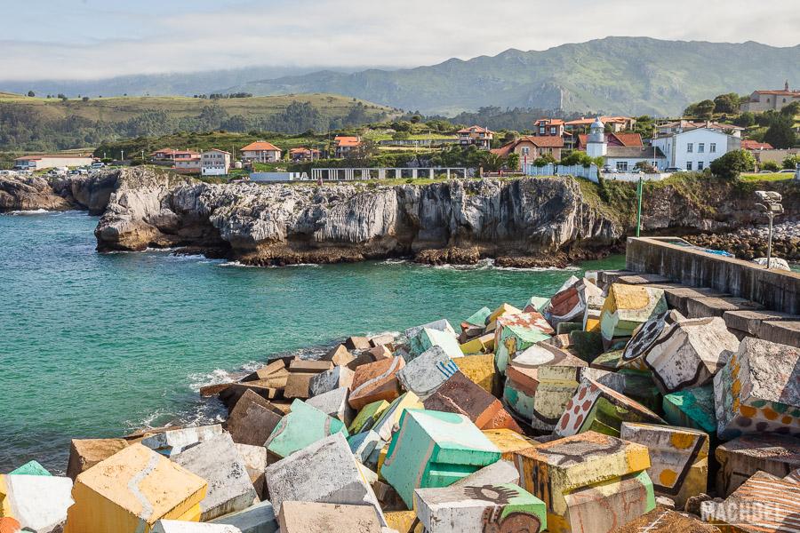 Puerto y piedras Llanes